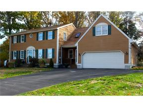 <b>SELLER SAVED $5,265</ Sold: 40 Hillview Avenue