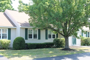 >SELLER SAVED $1,996</ Sold: 2 Nottingham Drive #2