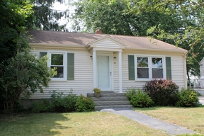 Single Family Home Sale Pending: 60 Wellwood Road
