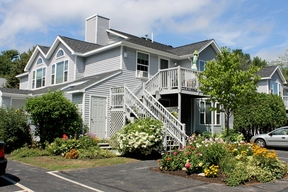 >SELLER SAVED $3,452</ Sold: 9 Cascade Road #6C