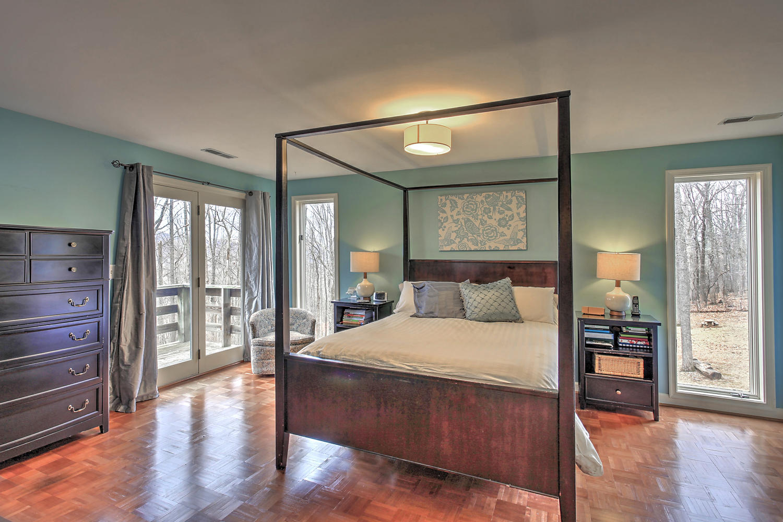 609 Dry Bridge Rd Master Bedroom