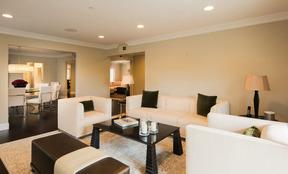 Los Angeles CA Condo/Townhouse Sold: $1,585,000