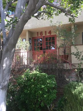 LOS ANGELES CA Condo/Townhouse For Lease: $3,200