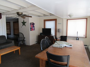vacation rental For Rent: 795 East Broadway