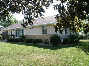 Single Family Home Sold: 854 Dakota Street S