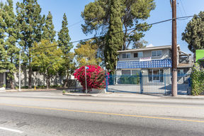 Commercial For Sale: 4917 Melrose Ave.