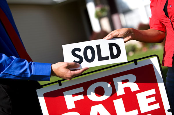 Signs you are dating a real estate agent