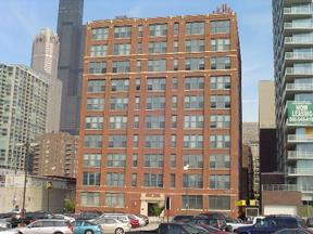 Chicago IL Loft For Rent: $1,600