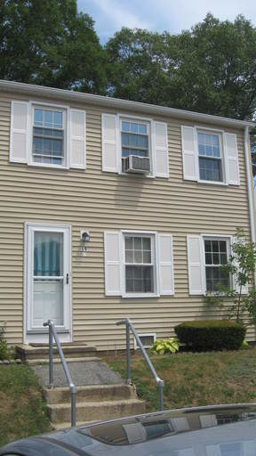 Condo/Townhouse For Rent: 19 Lakeside Drive #J