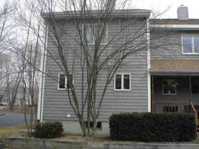 Pawcatuck CT Condo/Townhouse For Rent: $1,300