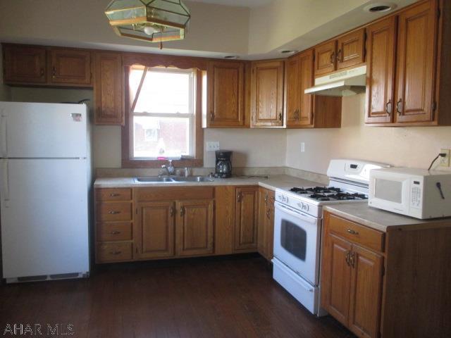 1001 N 3rd St, Kitchen pic