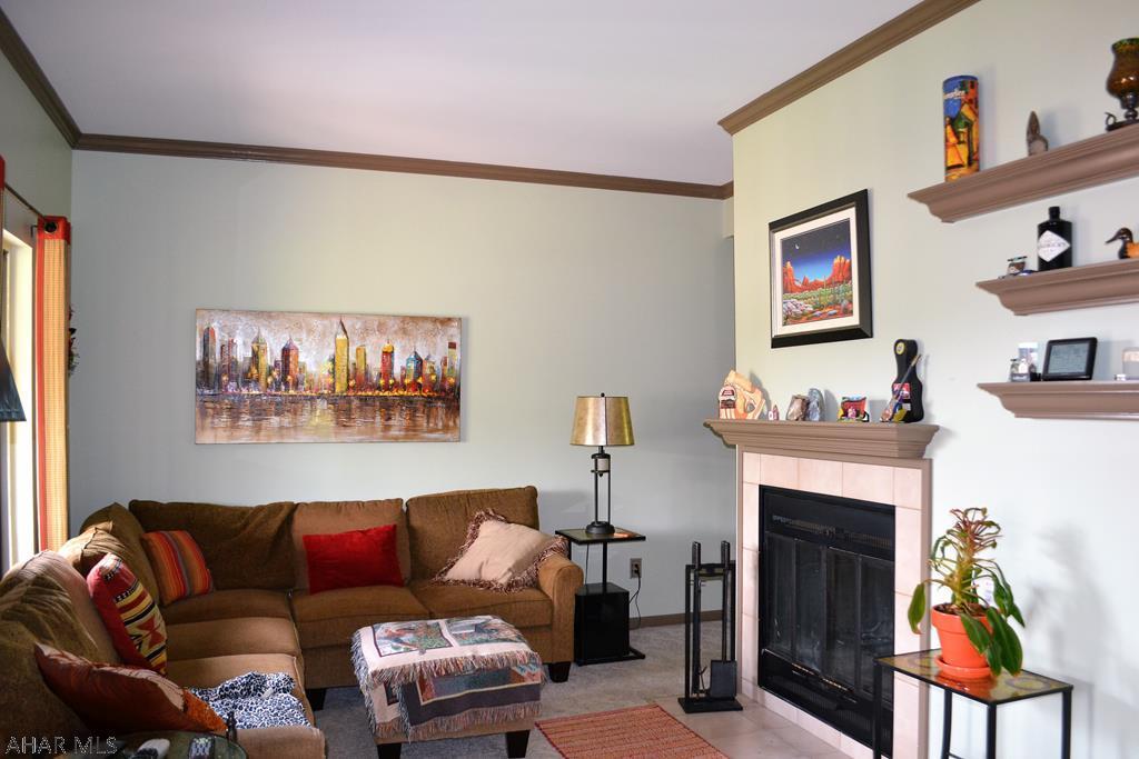 1126 Fairway Drive, Hollidaysburg Living room pic