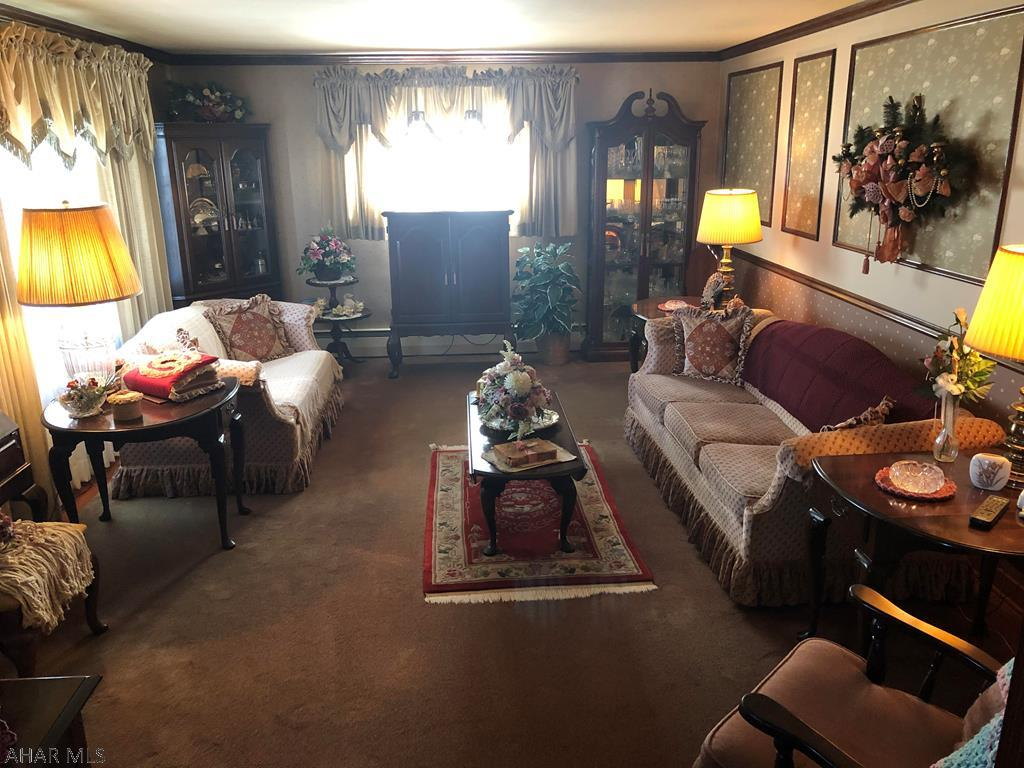 1207 59th Street, Living room pic