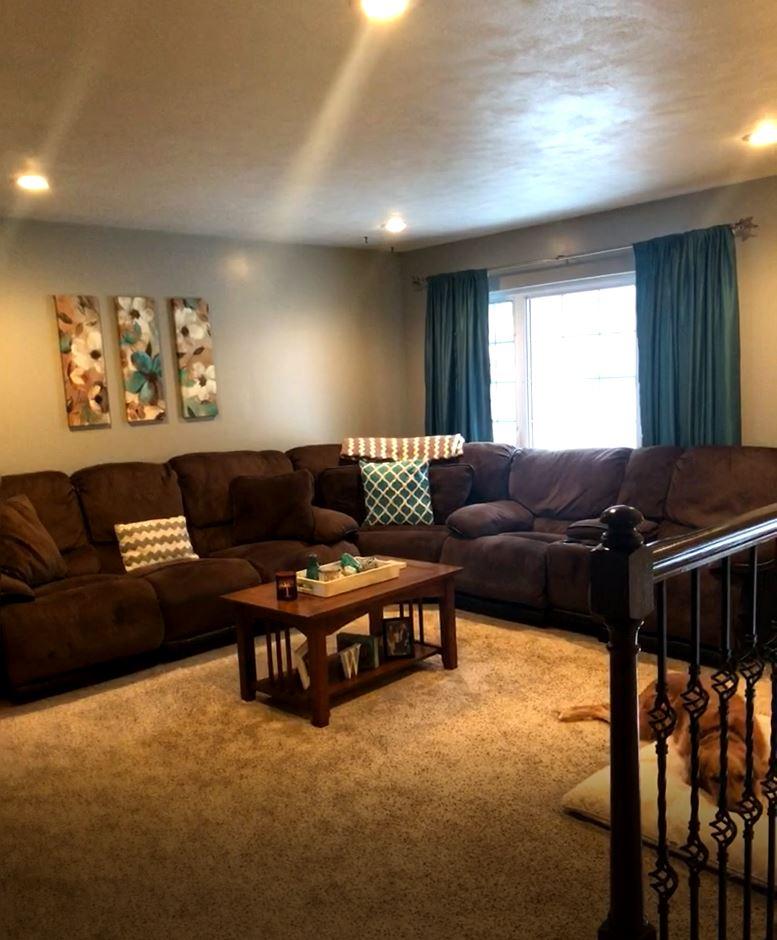 1208 Van Buren Avenue, Living room pic