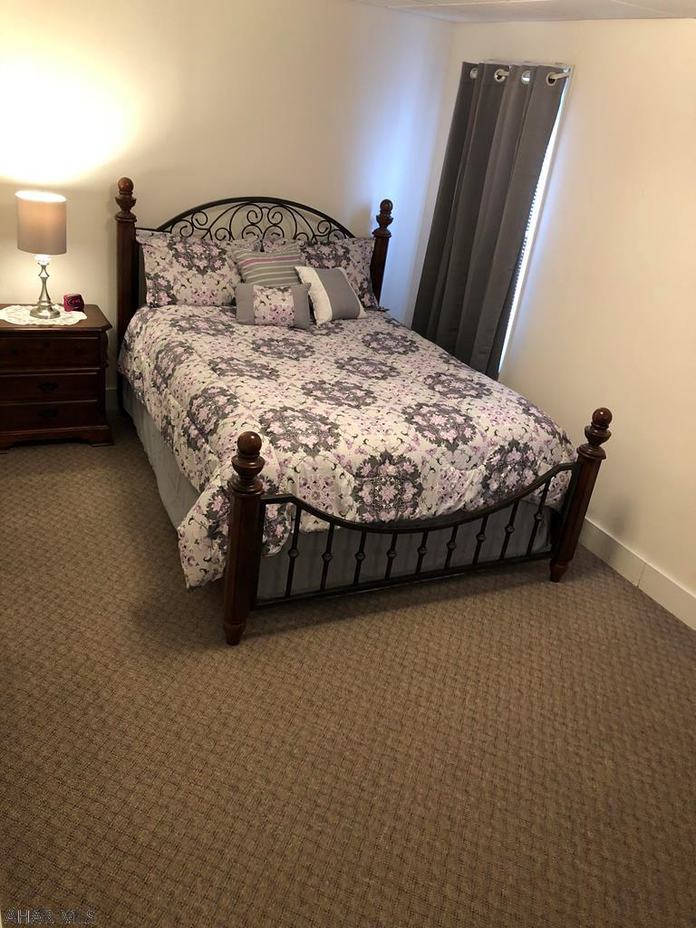 1319 2nd Avenue Bedroom pic