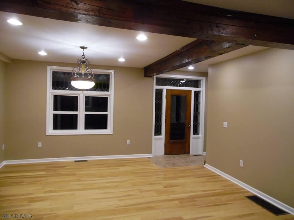 1322 4th Avenue, Duncansville Living room pic