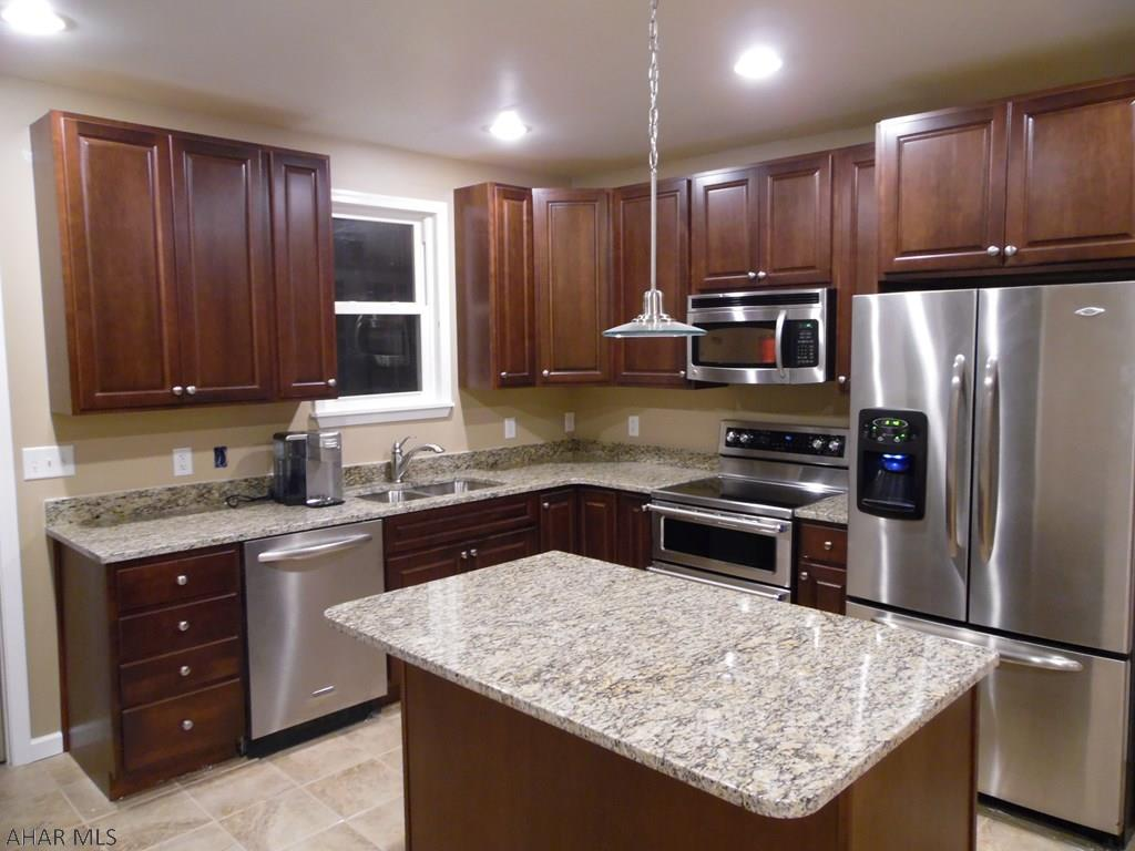 1322 4th Avenue, Duncansville Kitchen pic