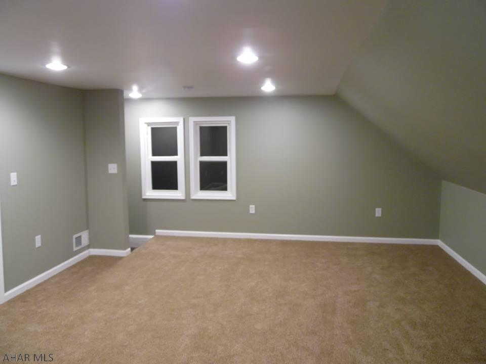 1322 4th Avenue Duncansville bedroom pic