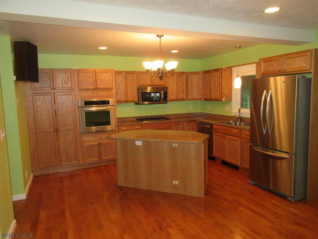 1407 Walnut Street, Hollidaysburg Kitchen pic