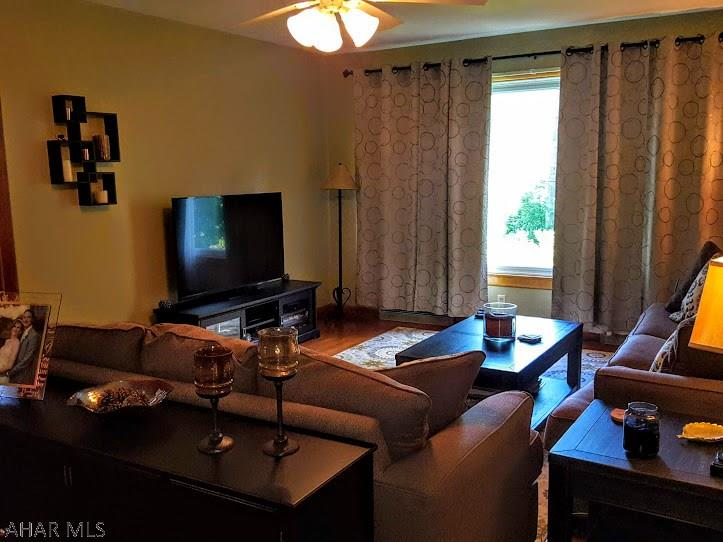 1913-15 walton Ave, living room pic