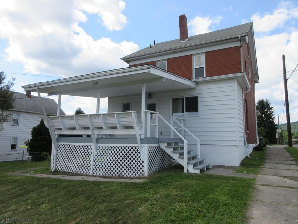 2101 15th Avenue Rear deck