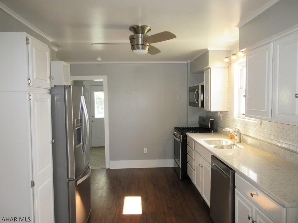 2101 15th Avenue kitchen pic