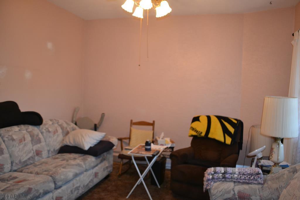 2129 15th Avenue, Living room pic