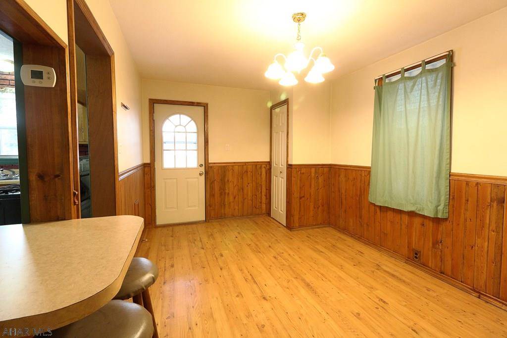 229 21st Avenue Dining room pic