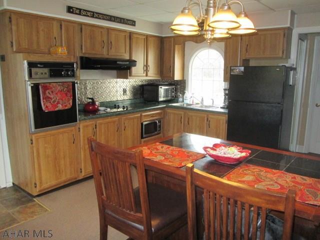 2608 Everett Road, Kitchen pic