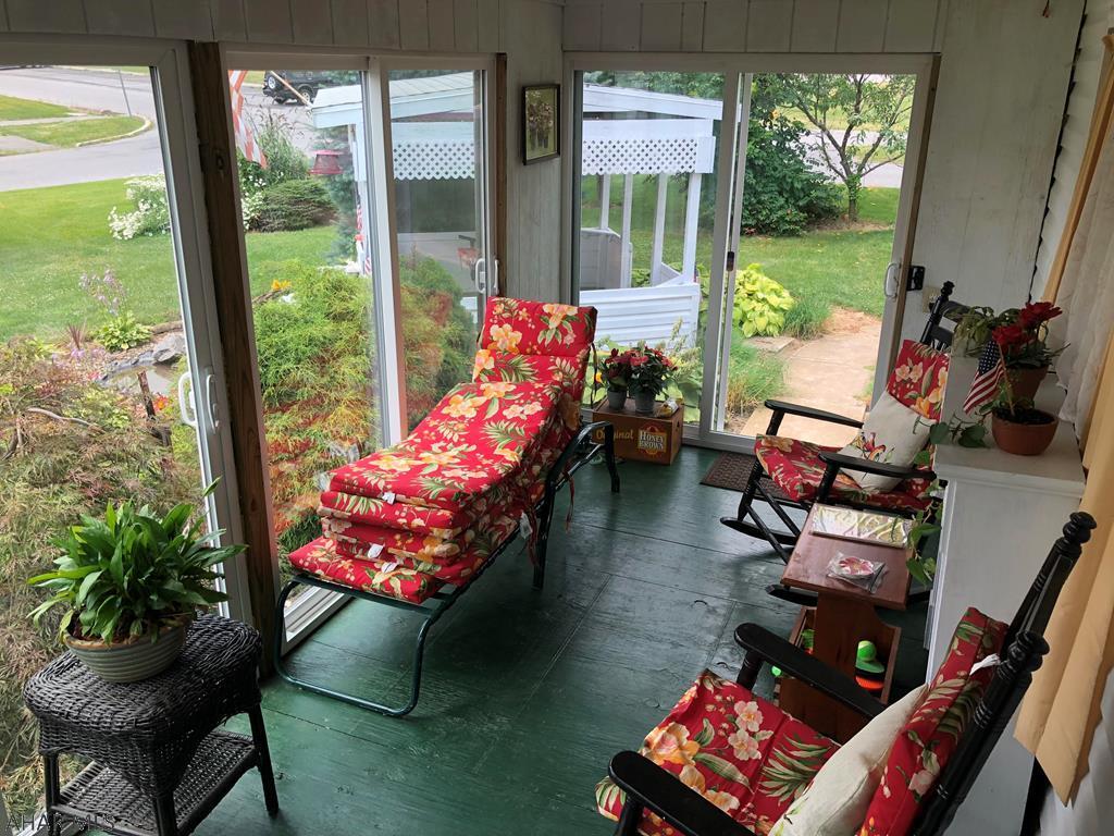 2619 Dove Avenue Sun Room pic