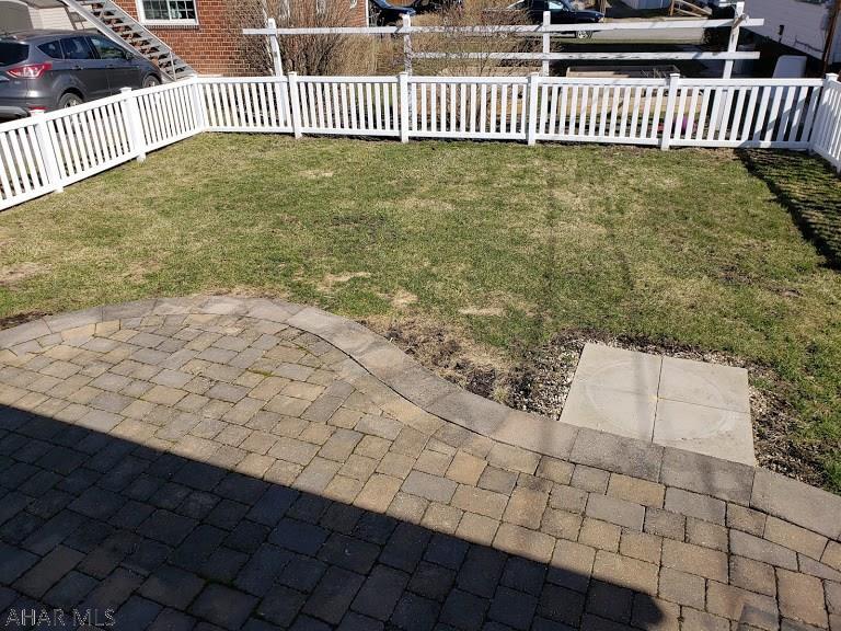 328 Garfield St, Tyrone yard and patio pic