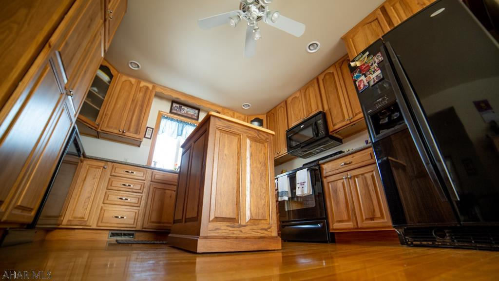 339 Mountain View Lane Martinsburg kitchen pic