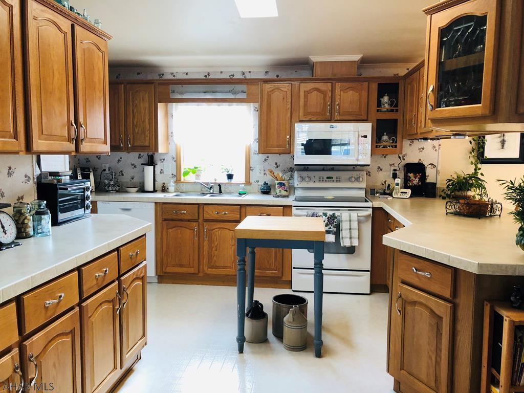 407 Paul Revere Road, Duncansville Kitchen pic