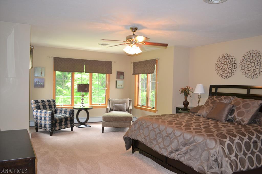 428 Windsor Drive, Master bedroom  pic