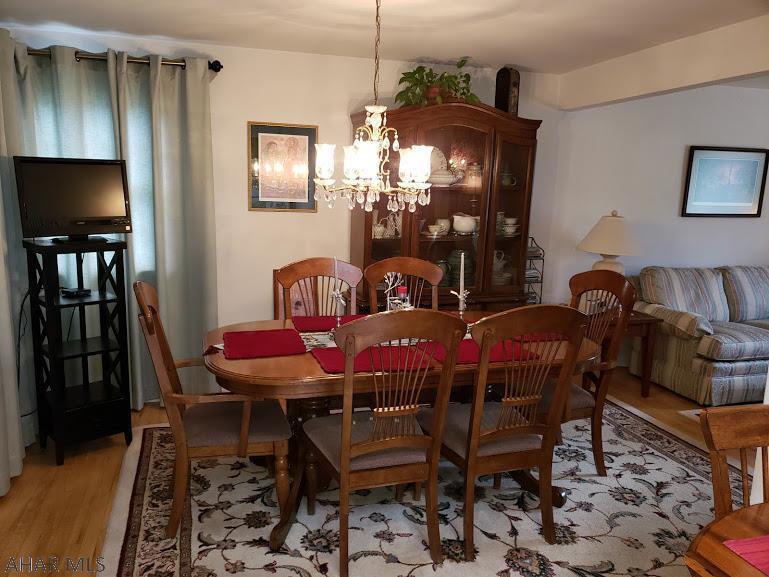 440 Church Lane, Hollidaysburg Dining room pic