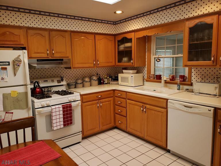 440 Church Lane, Hollidaysburg kitchen pic