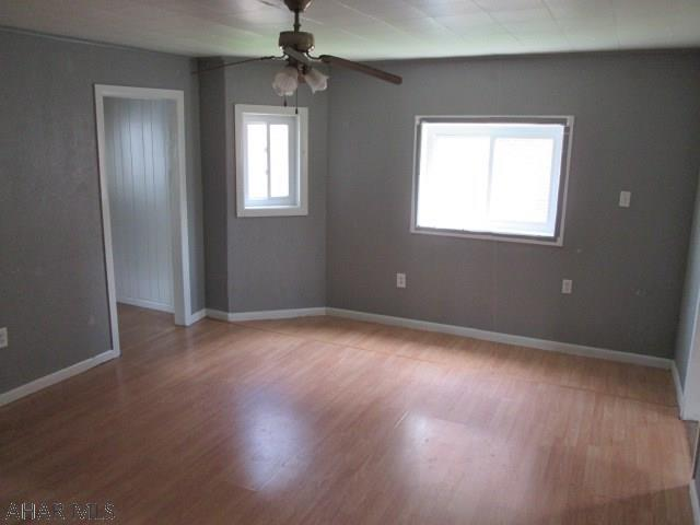 507 2nd Ave, Altoona Living room pic