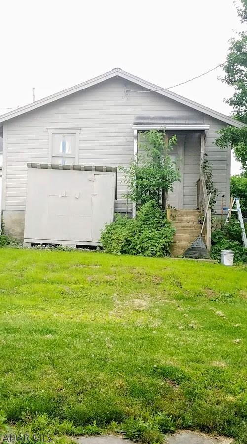 534 Main Street, Roaring Spring Fenced in yard