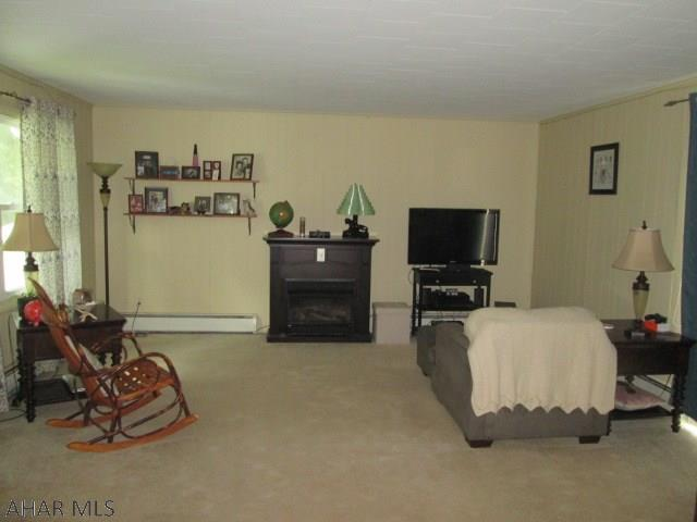 604 Sycamore Street, Living room pic