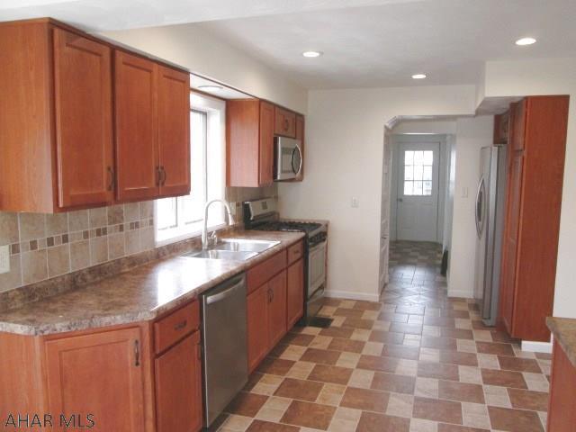 610 East Grant Avenue, kitchen pic