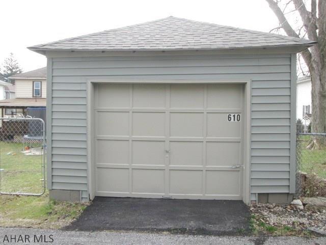 610 East Grant Avenue, Garage pic