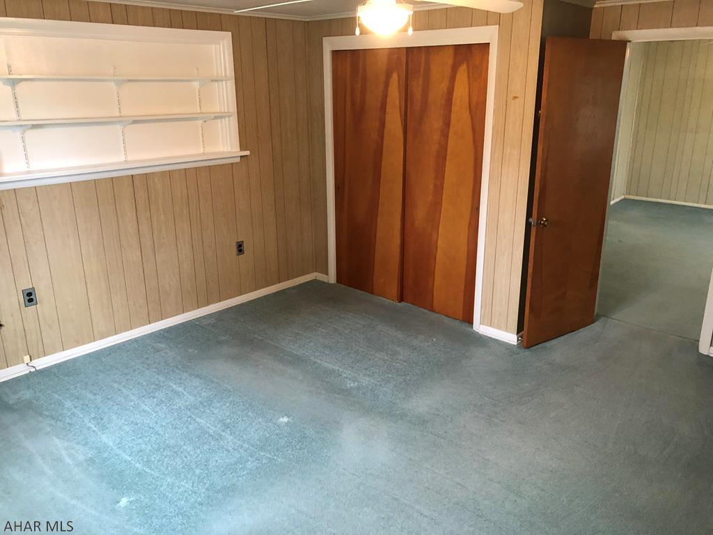 618 Yale Lane Bedroom pic