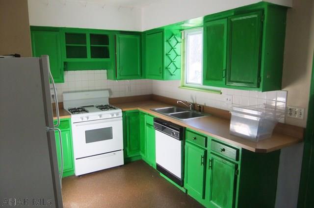 812 James Street, Kitchen picture