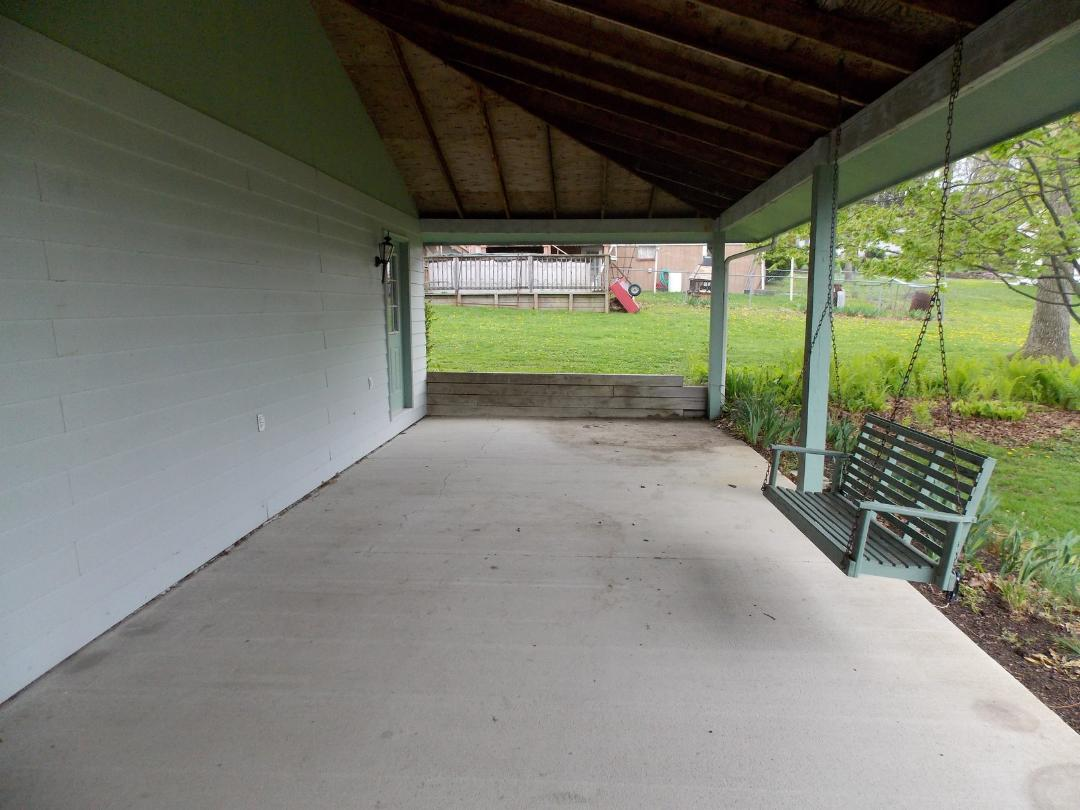 95 Larson St, Duncansville covered patio