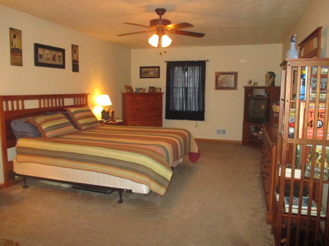 551 Star View Lane, Martinsburg Bedroom pic