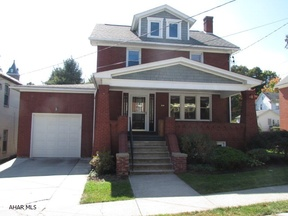 Single Family Home Sold: 534 Pine Street