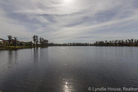 Ladera Lutz FL Lake Merrywater