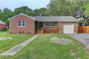 Charleston SC Single Family Home Sold: $325,000