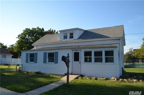 Baldwin NY Single Family Home Pending: $369,000