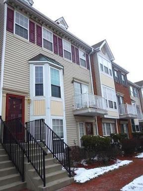 Condo/Townhouse Sold: 31 Cedar St